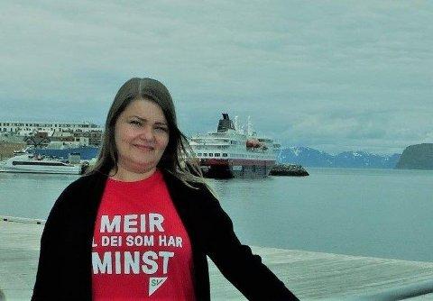 OPPRØRT: Elisabeth Rønning, ordførerkandidat i Hammerfest SV, er opprørt over historien om Maria Olsen, som har kjempet en lang kamp mot Nav i Hammerfest.