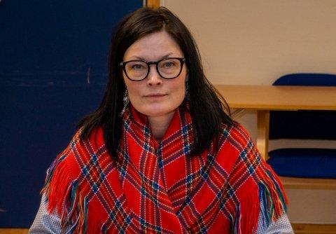 UENIG: Line Kalak, styremedlem i FeFo, mener det er begått feil under dagens møte i FeFo. – Det var ikke på sakslista at vi skulle ta opp igjen sak 75/2020 (Karasjok-feltet) i dag.