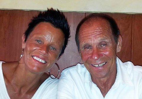 SKRYTER AV PAPPA: Pappa Julian er Hanne Jonassens klippe i livet, her fra sistnevntes 70-årsdag, som ble feiret på Mallorca for noen år siden.