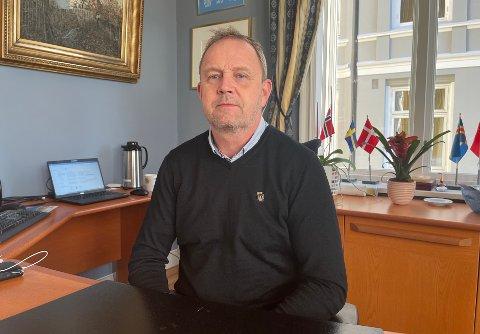 Ordfører Grunde Wegar Knudsen (Sp).