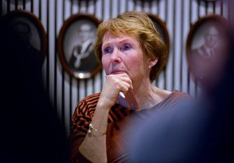ORIENTERER: Ordfører Kari Anne Sand forteller om tre nye smittetilfeller i Kongsberg tirsdag.