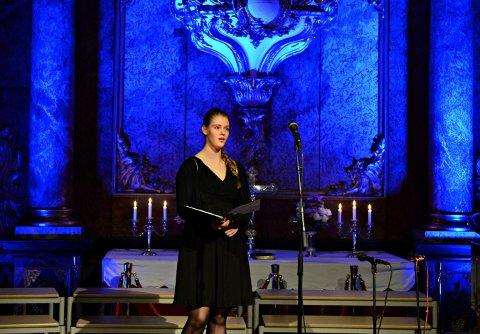 VOKALIST: Reidun Ottersen har opptrådt på mange scener i Kongsberg. Her er hun i Kongsberg kirke. Lørdag holder hun konsert på Mølla.
