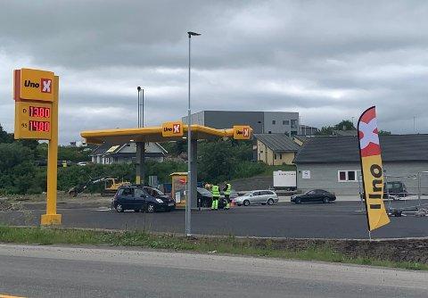 Uno-X-stasjonen på Leknes åpnet fredag ettermiddag.