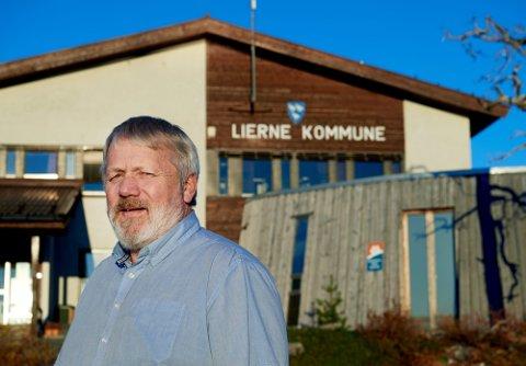 FEM KORONATILFELLER: En person som er folkeregisterført i Lierne har fått påvist koronasmitte for ei god tid tilbake. Men kommunen har først fått tilbakemelding nå, ifølge rådmann Karl Audun Fagerli.