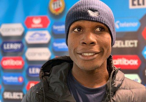 TIL-SJANSE: Daniel Nwaodu Kaodimarachukwu har et sterkt ønske om en karriere i europeisk fotball, ikke bare for seg selv – men for å kunne gi familien hjemme i Nigeria et bedre liv.