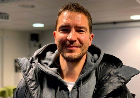 BLID GJEST: Jonas Johansen er på vei ut av TIL og inn i Fløya. I vår nyeste fotballpodkast snakker han ut om TIL-exit, saken med Simo Valakari, talentene som dro til England, utspekulerte garderobespøker og mye annet.