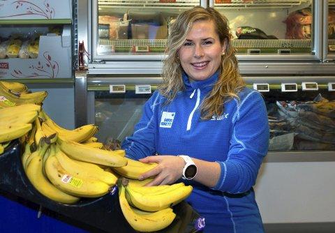 DEN GYLNE HALVTIMEN: Anna Solheim mener bananer eller annen næring er viktig å få i kroppen den første halvtimen etter trening for utøvere som trener mye.Foto: Asbjørn Risbakken