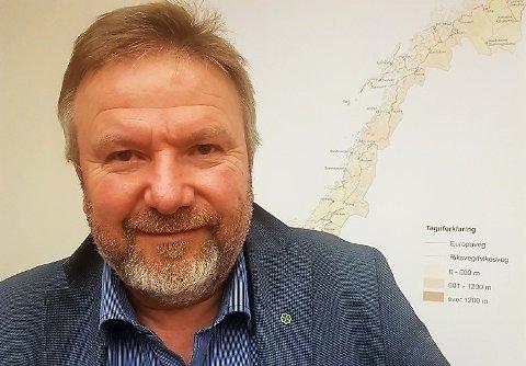 TILHENGER AV RABATTORDNINGER: – For lokalbefolkningen er riksvei 4 like mye en lokalveg som en hovedveg. De har ikke så mange andre alternativer, sier Bengt Fasteraune, og argumenterer for bompengerabatter.