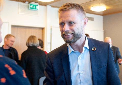 INGEN EKSEMPLER: Helseminister Bent Høie har ingen eksempler på at samhandling mellom psykiske helsevern og somatikk blir bedre ved samling under samme tak, men han tror det gir større muligheter til å se pasientene som en helhet.