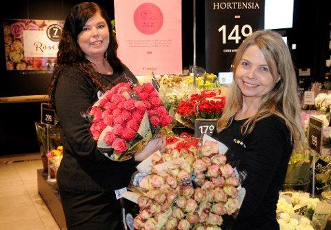 FLORISS: Jane Merete Wold Nilsen (t.v) og Siw Helen Antonsen er nye eiere av Floriss-butikken på CC Gjøvik.
