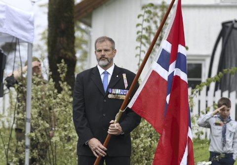 Flaggbærer: 17. mai i Vestby og Freddy Bolle stiller som flaggbærer.