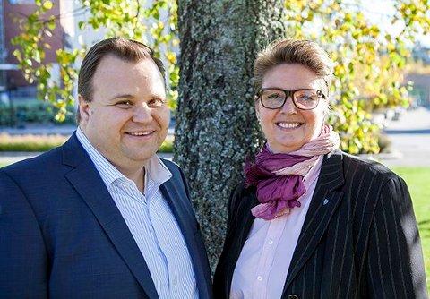 Verken Høyre eller Ap kan belage seg å stå på egne bein dersom de vil ta makten i Nordre Follo. Her er ordfører i Oppegård, Thomas Sjøvold (H), og Hanne Opdan (Ap).