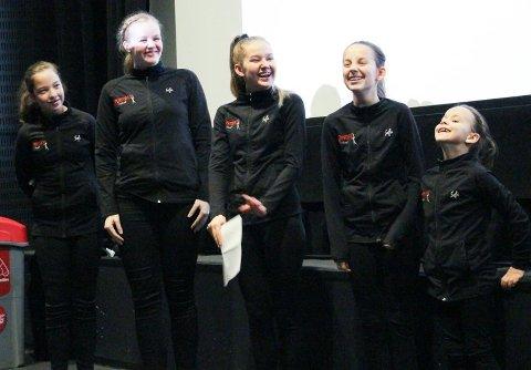 HAR FÅTT PENGER TIDLIGERE:Nordby skolekorps drill fikk i fjor 100.000 kroner til mobil dansegulv, treningsmatter og annet utstyr fra Sparebankstiftelsen DNB. Nå kan det være din tur. Her ser du fra utdelingen i kinoen i Ski.