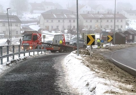 RÅKEN: Bilen kjørte av veien i Råken.