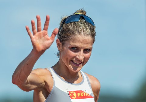 TOK GULL: Therese Johaug vant NM-gull på 10.000 meter i august.