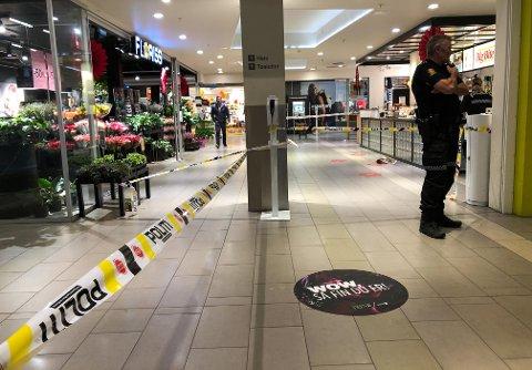 DRAMATISK: En person ble knivstukket på Amfi Elverum fredag 24. september.