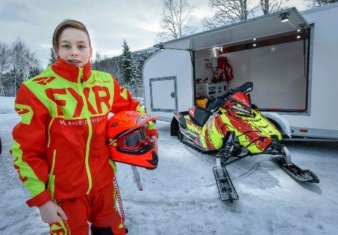 PÅ SYKEHUS: Martin Magnussen fikk seg en tøff smell da han kjørte løp i Sverige i helga. Men det gikk bra.