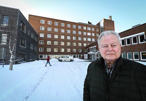 Svend Kr. Kibsgaard framheves som kirurgen som startet oppbyggingen av ortopediavdelinga i Rana. 82-åringen er tydelig på at fagmiljøet som har vokst seg sterkt over mer enn 35 år ved hans tidligere arbeidsplass Helgelandssykehuset Mo i Rana, er bygd opp med utgangspunkt i Rana.