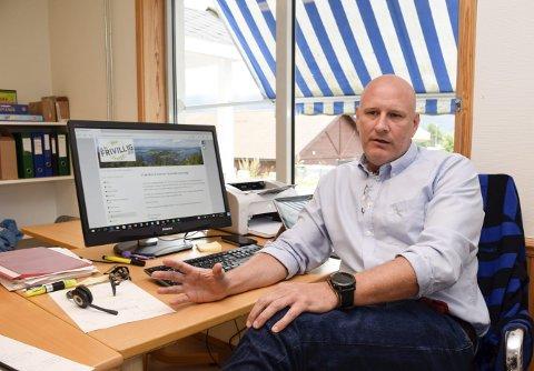 KONTAKTSKJEMA KLART: – Vi ønsker å komme i kontakt med deg!, står det på kontaktskjemaet som prosjektleder Per Arne Hansen har klart på PC-en.