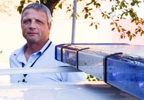 FØLGER MED: Politioverbetjent Geir Hermansen sier at politiet følger godt med på hvem som lager bråk på byen og kan kvalifisere til oppholdsforbud.
