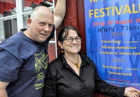 GLEDER SEG: Signe Eira og Knut Nyheim fra Kamerina ser frem til å arrangere en festival som kan ligne litt på det som var før korona.