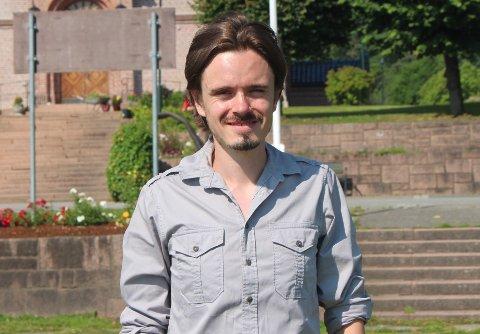HÅPER PÅ ENGASJEMENT: Herman Ekle Lund (V) håper at noen tar opp tråden med ferjedekning i ytre Drammensfjord.