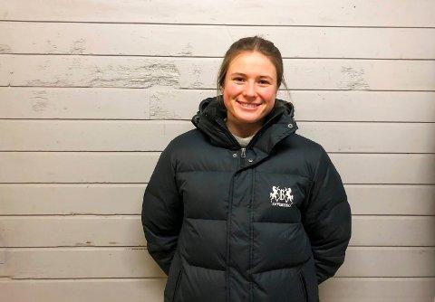GEOLOGISTUDENT: Karoline Arctander (23) bor for tiden i Trondheim, hvor hun studerer geologi. Der trives hun, men hun liker seg også i hjemtraktene. – Sandefjord er en veldig fin by. Den har alt som en storby har, bare i mindre skala, sier 23-åringen.