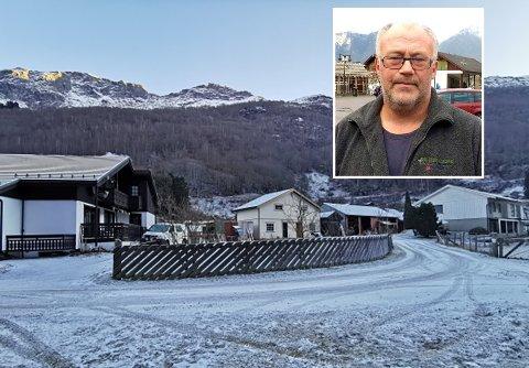 FEKK MEDHALD: Terje Hilstad fekk medhald i dispensasjonsklagen om å få byggja to husvære på garden sin i Aurland. No har han søkt om å få dekt sakskostnadane.