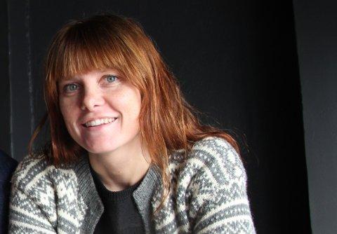 HAR ÅPENT: Daglig leder for Jobb for livet, Jeanette Mari Nylund, håper folk vil komme innom kafeen og ber dem passe på å overholde smittevernsreglene.