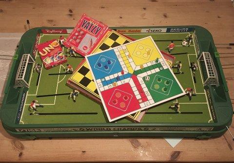 SPEL: Dei yngste (gjerne også vaksne) kan hygge seg med alt frå fotballspel til måling og figurkunst i papp.