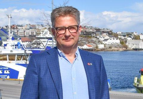 Svein Roksvåg, ordfører på Smøla, skal ikke delta på arrangenmentet på Hjelset, selv om han i utgangspunktet takket ja.