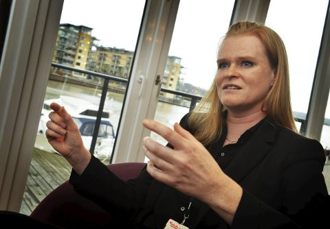 KAMPKLAR: Anne Marit Langedal fra Tønsberg er nyvalgt leder i Mensa Norge og vil kjempe for et godt skoletilbud for evnerike barn. – I dag er det helt tilfeldig om barna blir oppdaget og ivaretatt, sier Langedal. Foto: Per Gilding