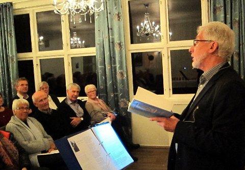 Toralf Baldersheim las fleire gonger stubbar frå «Dikt i samling» av Jacob Sande.