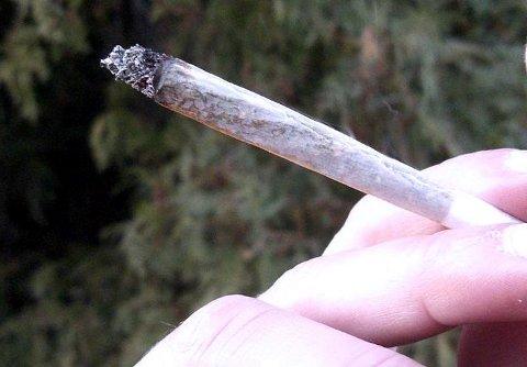 Tatt for narkotika: Her røykes det hasj.Arkivfoto.