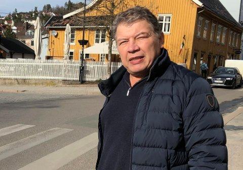 Involverer seg: - Jeg er på saken, sier Frogn-ordfører Haktor Slåke.