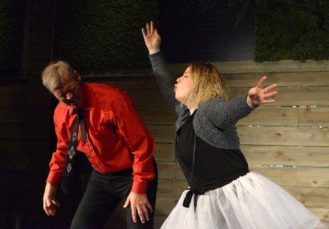 Cello ballett: Arne Eggen og Anne Goro Tronsmo Haugland.