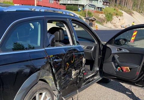 Tre personer ble sendt til Tynset sjukehus for sjekk etter en krasj mellom en bil og en traktor på riksveg 3 sør for Alvdal.