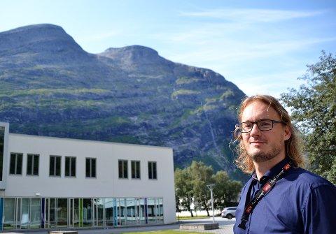 Fjellglad: Den nye rektoren, Edward Jensen, gleder seg til å møte kollegiet og få gode idéer til fjellturer. Litlekalkinn er allerede skrevet på lista.