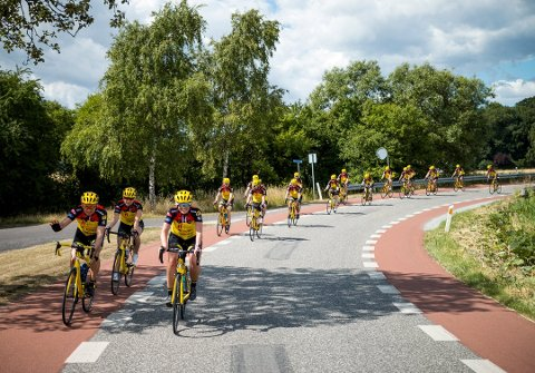 På tur: Hvert år setter Team Rynkeby hjulet mot Paris for å sykle hele den lange veien fra Oslo.