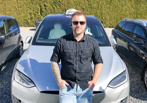 VANT FREM: Kristian Henrik Svindal vant mot Tesla i rettssak, men får aldri bli Tesla-eier igjen.