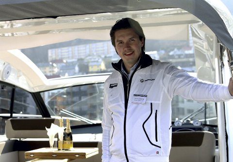 Daglig leder i Bergen Marine, Jonas Gams Steine, sier at fint vær gir økt båtsalg.