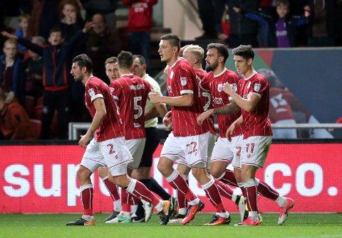 Bristol City og Milan Djuric (midten) har vist at de virkelig er i dytten. De slo Sunderland i helgen og i forrige uke gikk de videre i ligacupen etter å ha slått ut Premier League-klubben Crystal Palace.