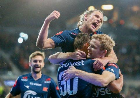 Tommy Høiland jubler etter 4-0-scoringen til Viking mot Godset tidligere i år. Han utlignet også til 2-2 for Viking mot LSK i 2017-sesongen.