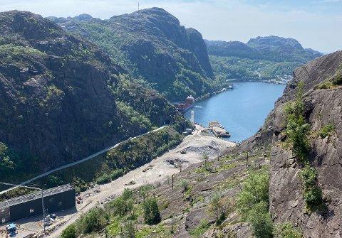 NATUR- OG KULTURATTRAKSJON: Naturperla Jøssingfjord er i seg sjølv ein attraksjon. Jøssingfjord Vitenmuseum, inst inne i fjorden, blir dermed ein attraksjon i attraksjonen.