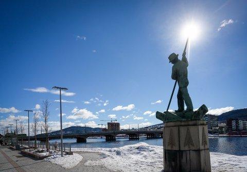 FINE DAGER: Fra onsdag til fredag blir det gode sjanser for sol i Drammensdistriktet.