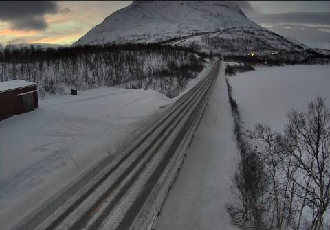 Av Statens vegvesen sitt WEB-kamera på lapphaugen, sees tydelig køen på tur ned fra Bukkemyra.