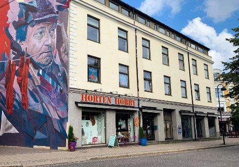 SÅR KONFLIKT: Den ene butikksjefen på Horten Hobby ble syk. Da grep den andre butikksjefen muligheten til å gå ut av selskapet og starte ny hobbybutikk oppi gata.
