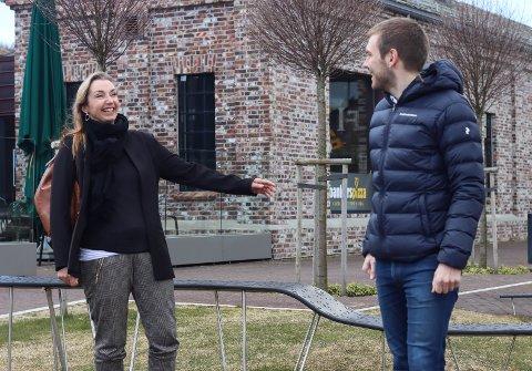 På sitt første Ap-landsmøte skal Astrid Reiestad Førli holde en to minutter lang tale. Partikollega og sambygding Tom Kalsås har erfaring fra tidligere landsmøter, og har vært en god støttespiller i forberedelsene.