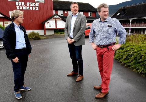 Ordførerne i Midt-Gudbrandsdalen, Arne Fossmo, Rune Støstad og Ole Muriteigen er ikke spesielt fornøyd med fylkespolitikerne som nå vil øke bomprisene i regionen.