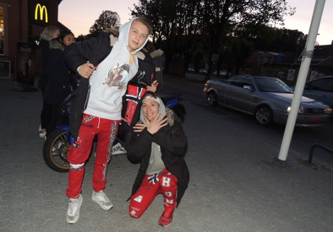 REPRESENTERER RUSSEN: Sebastian Bjerkeli og David Thon var den eneste russen HA kunne finne i sentrum.